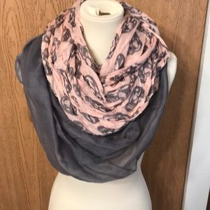Set of infinity scarves